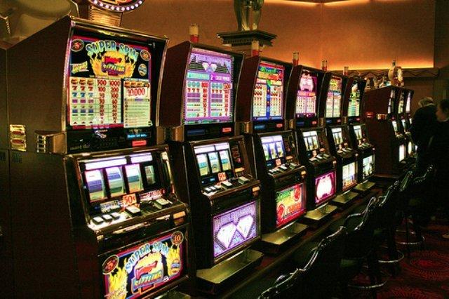 Всем известный сайт онлайн казино Azimut